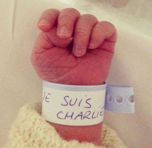 je suis charlie baby hand